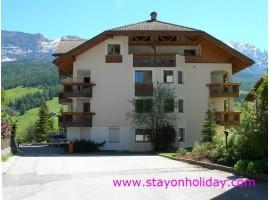 Accoglienti appartamenti in residence, La Villa (BZ), Alto Adige