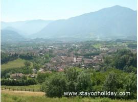 Versatile struttura per gruppi, Feltre (BL), Veneto