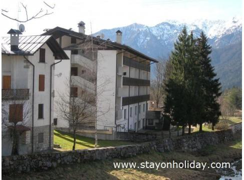Ottima proprietà per gruppi nell'incantevole contesto delle Prealpi Carniche, Forni di Sopra  (UD), Friuli
